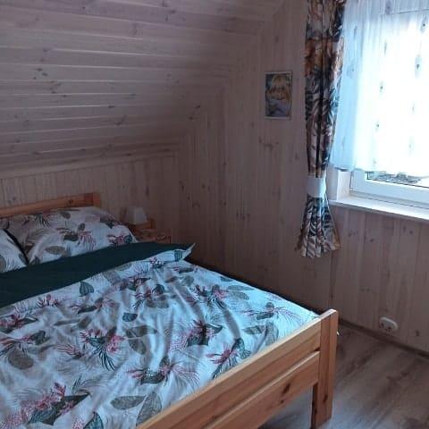 domek-nad-stawem-lipusz-09